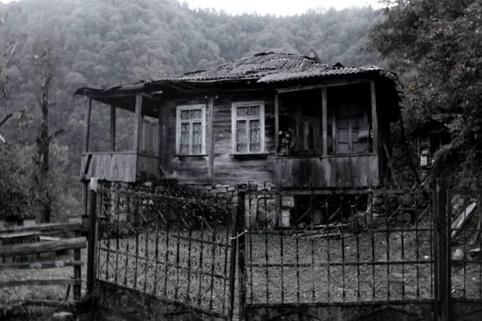 კინტრიშის ხეობა. სოფელი კობალაური. სახლი აგებულია 1924 წელს.