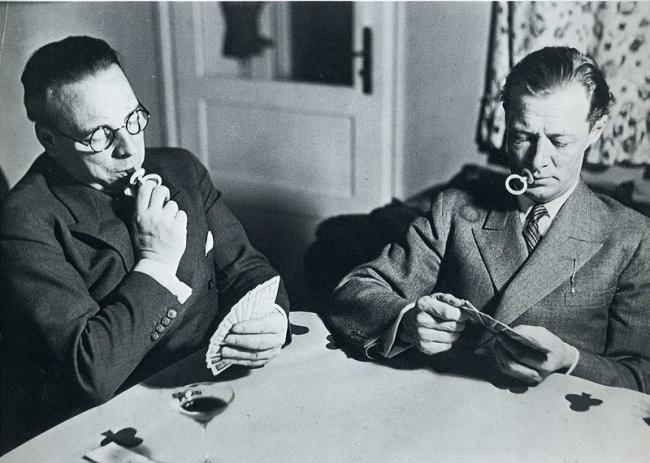ბანქოს მოთამაშეები, რომლების ცდილობენ მოწევას დაანებონ თავი 1931 წელი