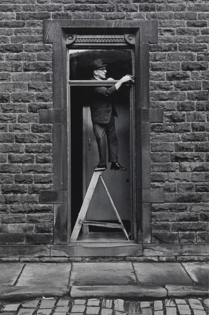 ფანჯრების წმენდა, 1976 წელი