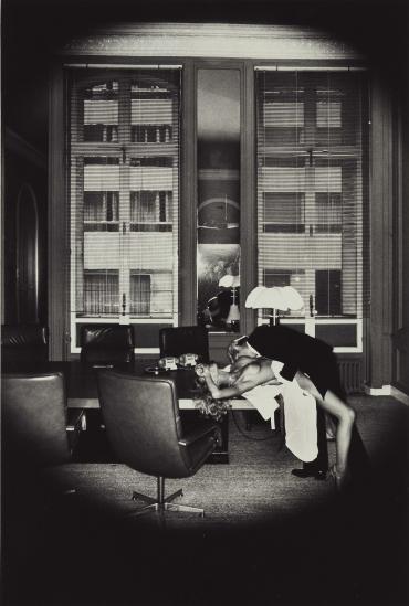 ჰელმუტ ნიუტონი - სიყვარული ოფისში