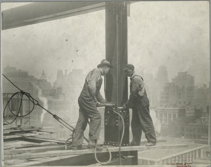 vintage-empire-state-building-construction-photos-by-lewis-wickes-hine-1931-18