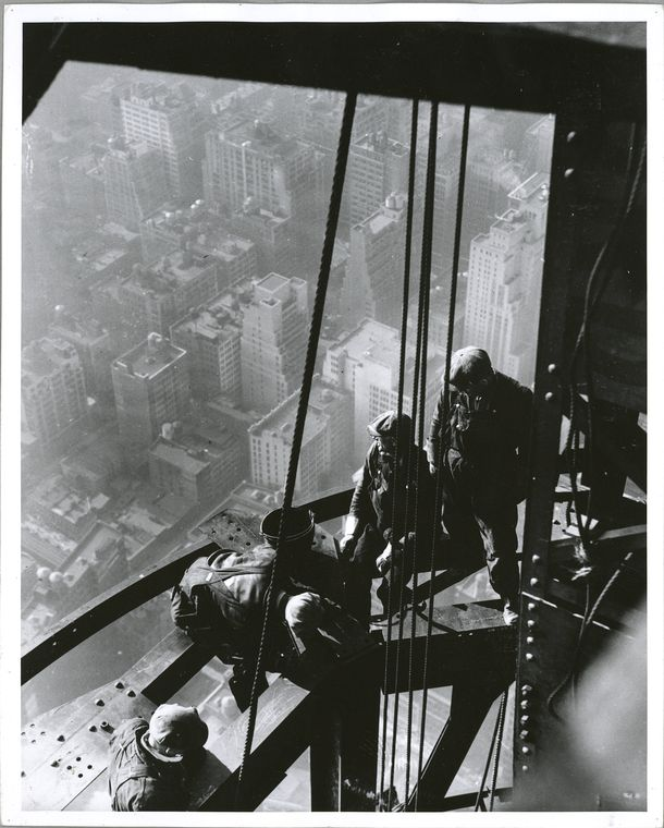 vintage-empire-state-building-construction-photos-by-lewis-wickes-hine-1931-26