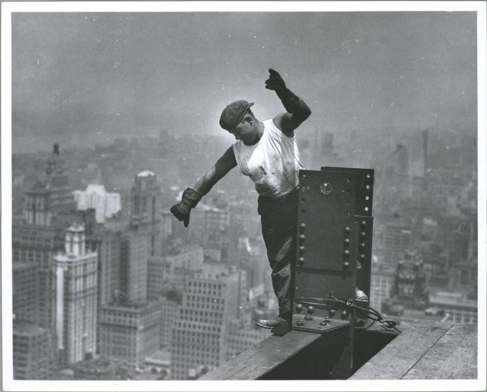 vintage-empire-state-building-construction-photos-by-lewis-wickes-hine-1931-27
